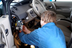 Auto mechanic - car electric diagnostics by Chapman Auto Repair of Orange